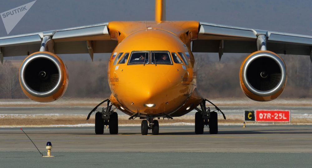 Samolot An-148 Saratowskich linii lotniczych