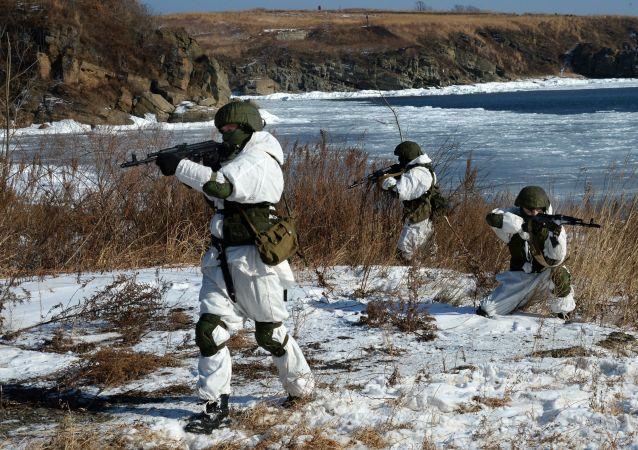Ćwiczenia oddzielnego morskiego batalionu inżynieryjnego wojennej Floty Oceanu Spokojnego
