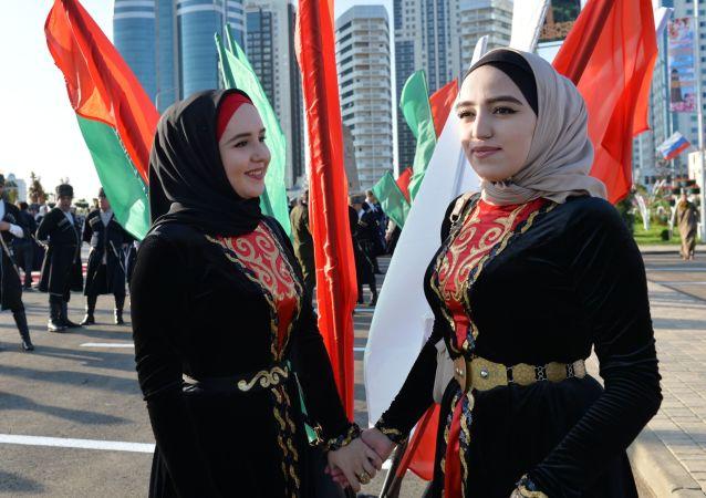Czeczenki w strojach narodowych, Grozny