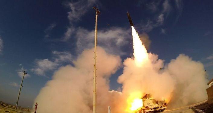 """Próbny wystrzał systemu antyrakietowego """"Chetz-3"""" (""""Arrow-3"""") w Izraelu"""
