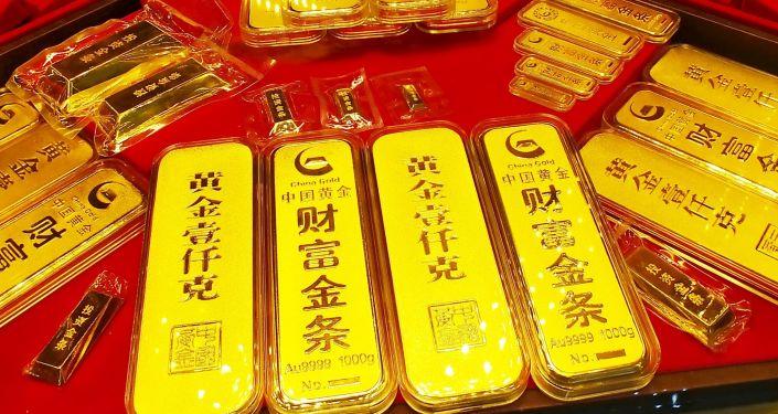 Sztabki złota w jednym ze sklepów w Chinach