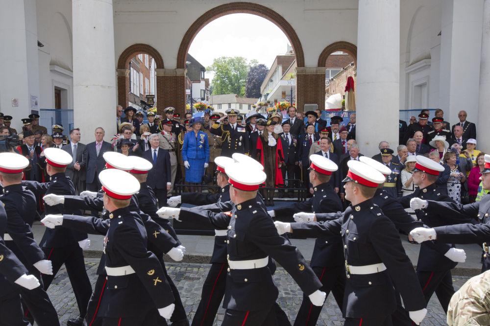 W Wielkiej Brytanii analogiczne święto obchodzone jest dopiero od 2006 roku. Główna parada wojskowa odbywa się w ostatnią sobotę czerwca.