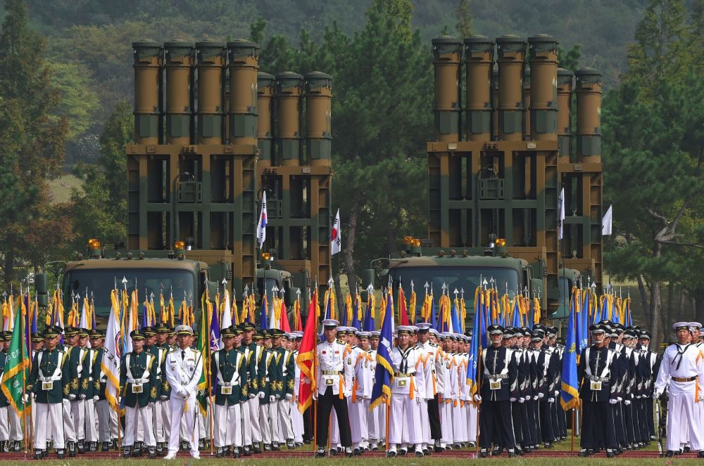 W Korei Południowej Dzień Sił Zbrojnych obchodzony jest co roku 1 października. Data została wybrana na cześć rocznicy kontrofensywy podczas wojny koreańskiej.