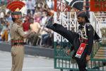 Zmiana warty na granicy Indii i Pakistanu
