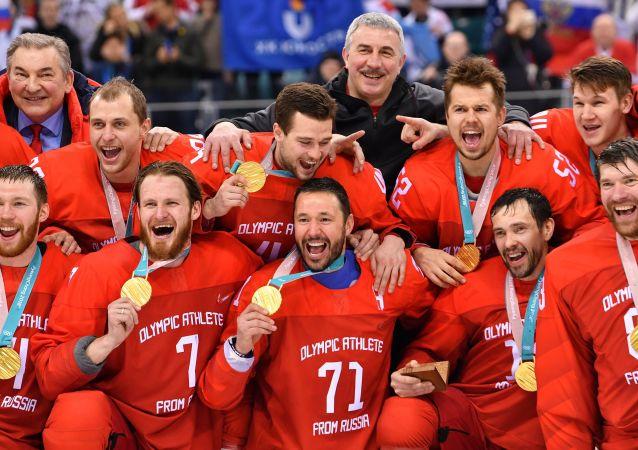 W meczu finałowym Rosjanie pokonali w dogrywce Niemców wynikiem 4:3