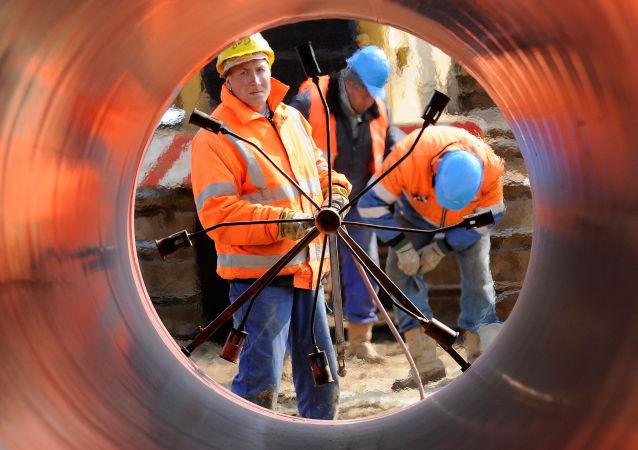 Spawanie rur na budowie gazociągu w Niemczech