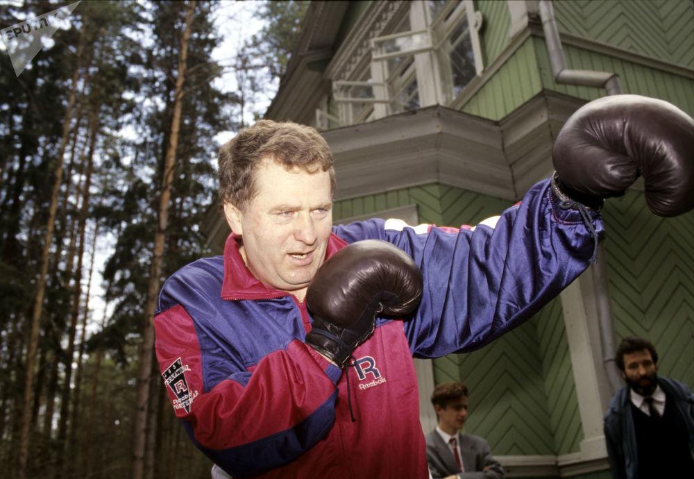 Władimir Żyrinowski zajmuje się sportem