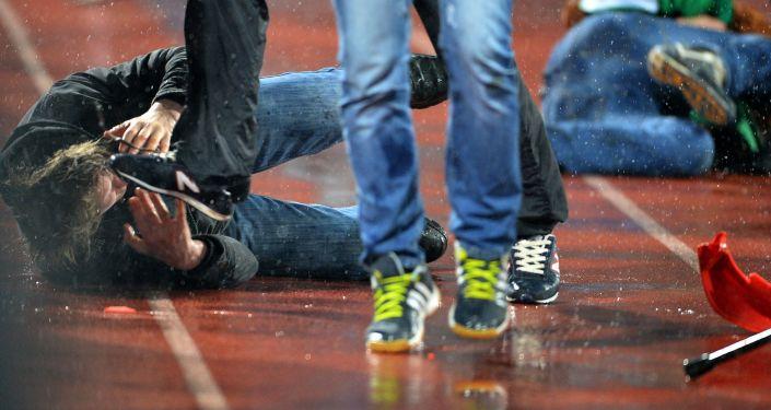 Bójka podczas meczu piłki nożnej