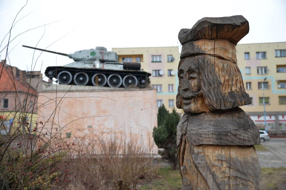 Memoriał w Ścinawie, wzniesiony dla uczczenia poległych podczas walk w styczniu 1945 roku.