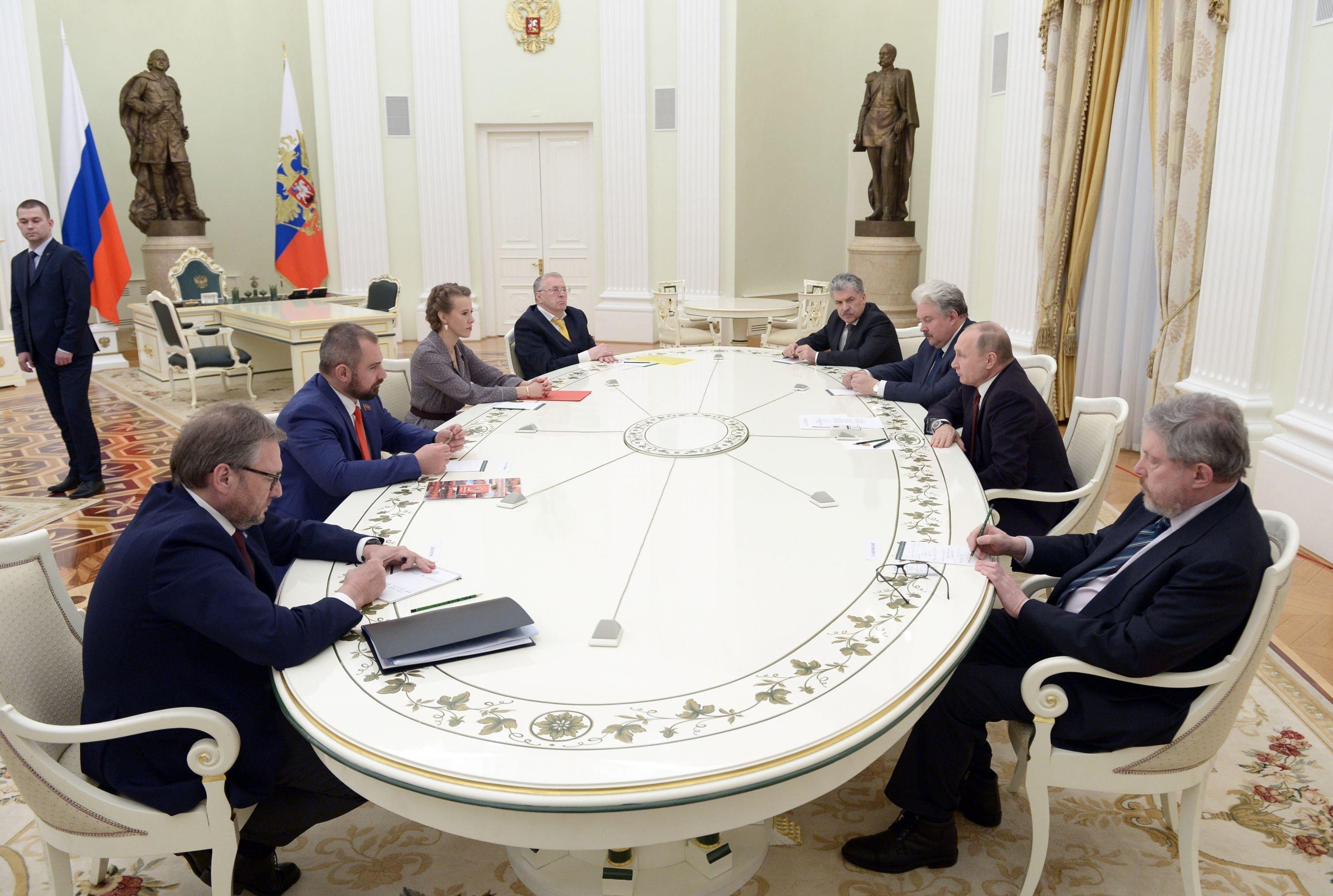 Prezydent Rosji Władimir Putin na spotkaniu z kandydatami na prezydenta Rosji