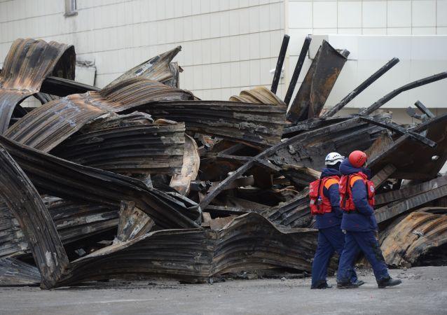 Centrum handlowe Zimniaja Wisznia w Kemerowie po pożarze