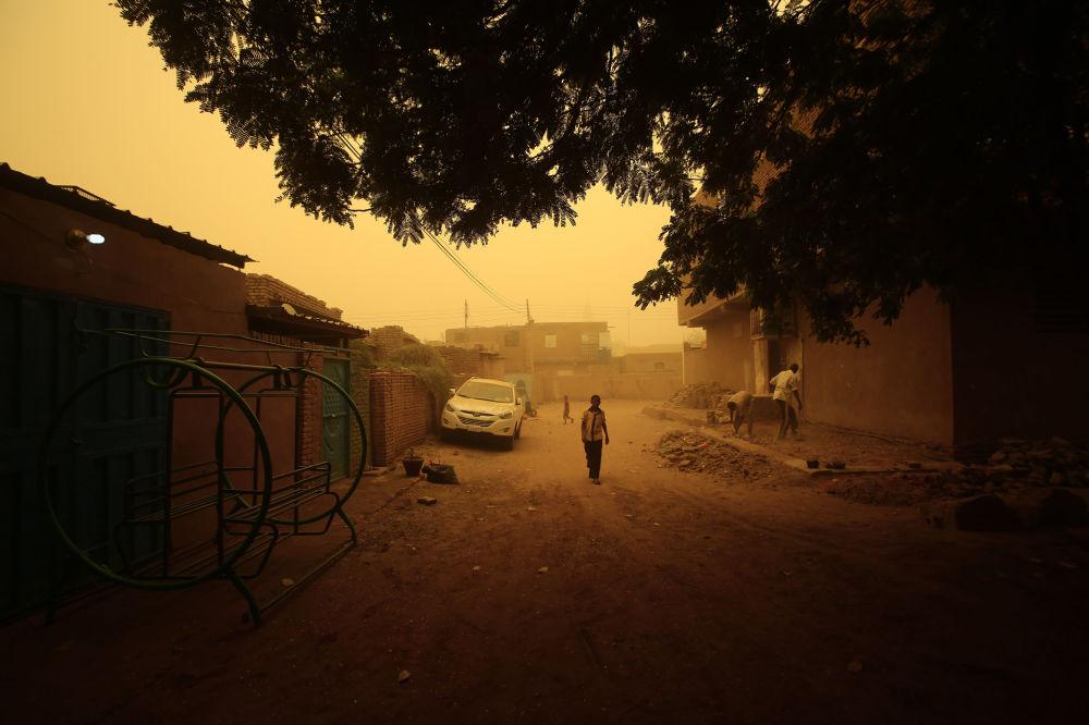 Burza piaskowa w Chartumie w Sudanie
