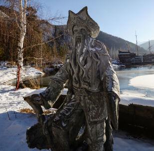 Chakasja, rzeźba postaci z filmu Piraci z Karaibów