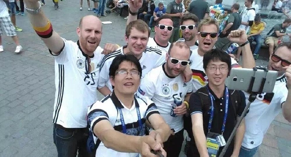 Chińscy i niemieccy kibice