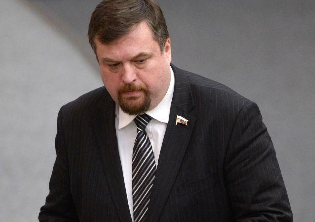 Członek Komisji do Spraw Zagranicznych Dumy Państwowej Anton Morozow