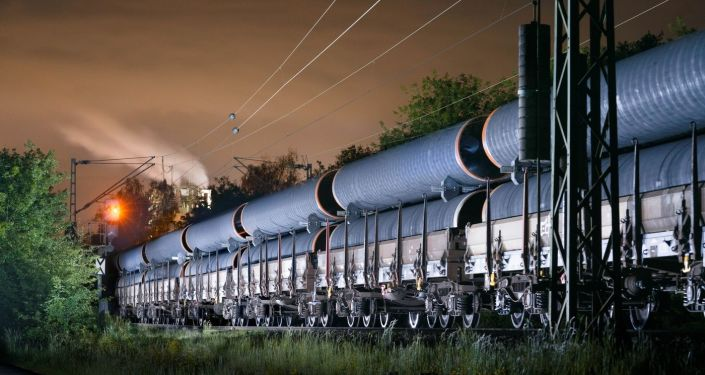 Przewóz rur dla Nord Stream-2 do portu Mukran w Niemczech