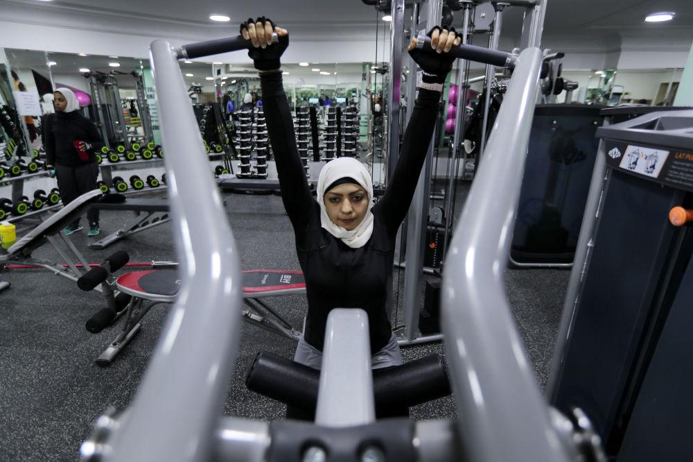 Zajęcia w siłowni w Al-Katif, Arabia Saudyjska