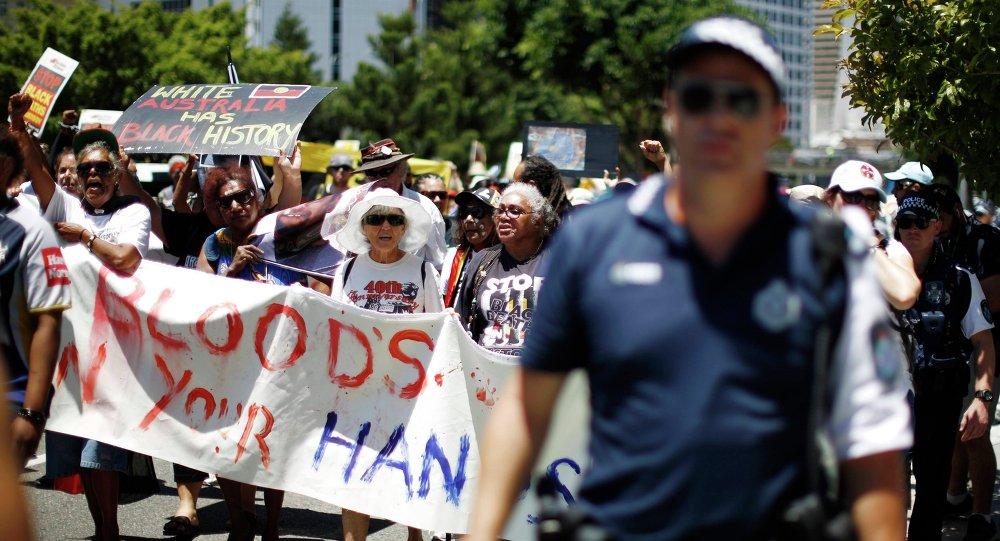 Uczestnicy protestów domagają się przestrzegania praw człowieka wobec australijskich Aborygenów