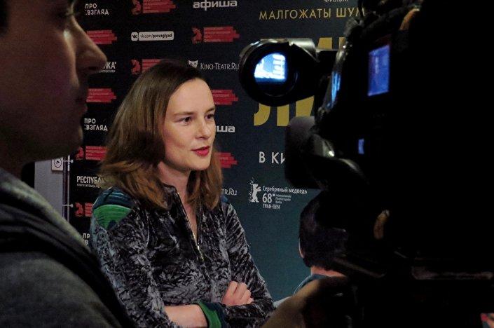 Agnieszka Podsiadlik udziela wywiadu korespondentce kanału Kultura