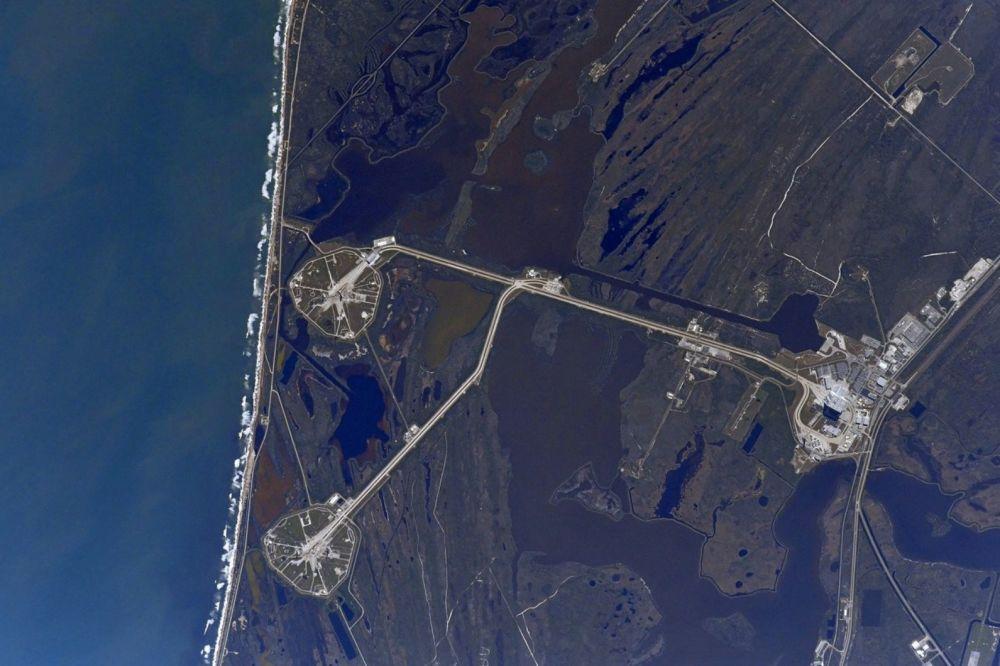 Kompleks startowy LC39 Centrum Kennedy'ego widziany z kosmosu