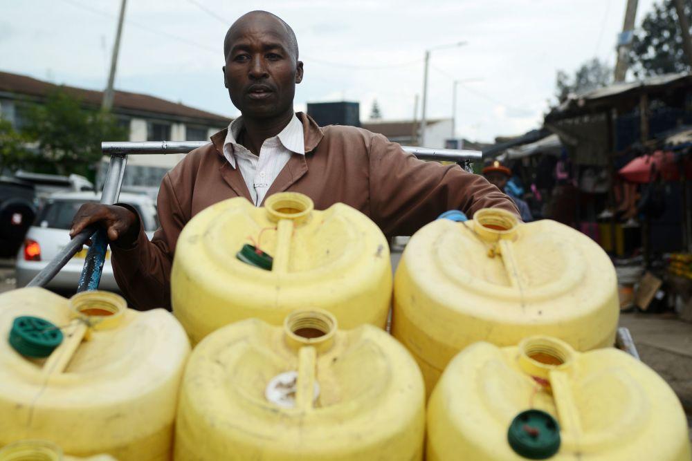 Samson Muli, 42-letni sprzedawca wody z Nairobi