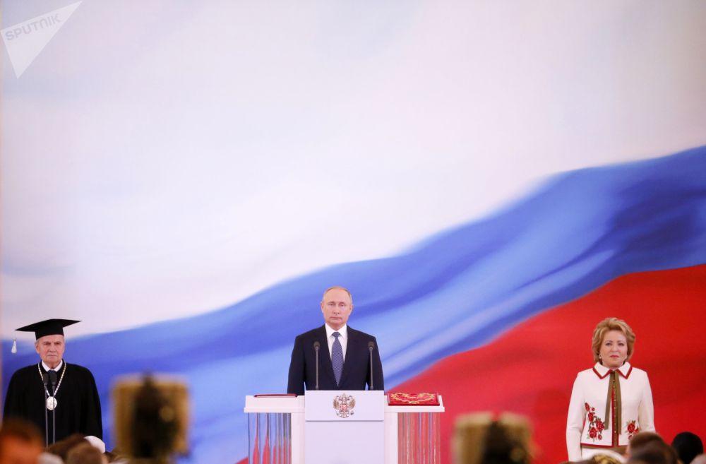 Uroczystości inauguracji prezydenta Rosji Władimira Putina w Wielkim Pałacu Kremlowskim