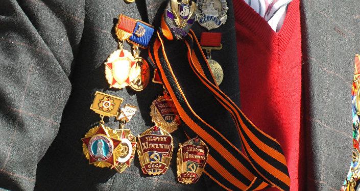 Dzień Zwycięstwa, Polacy w Nieśmiertelnym Pułku