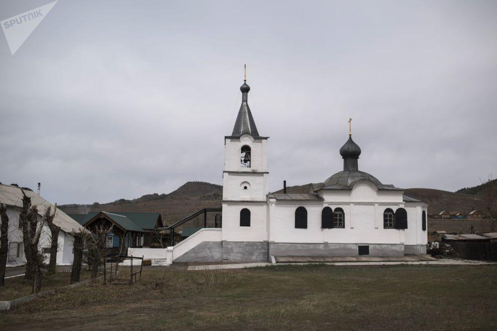 Świątynia Podwyższenia Świętego i Życiodajnego Krzyża Pańskiego Diecezji Syberyjskiej Rosyjskiej Cerkwi Staroprawosławnej w rodzinnej wiosce Tarbagataj w Buriacji
