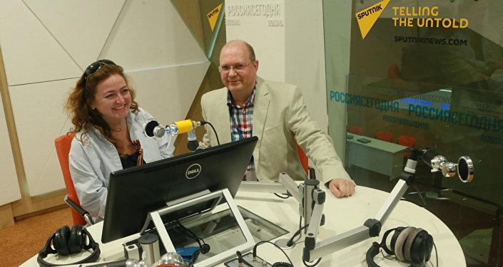 Polska publicystka Agnieszka Wołk-Łaniewska i komentator agencji Sputnik Leonid Swiridow. Moskwa