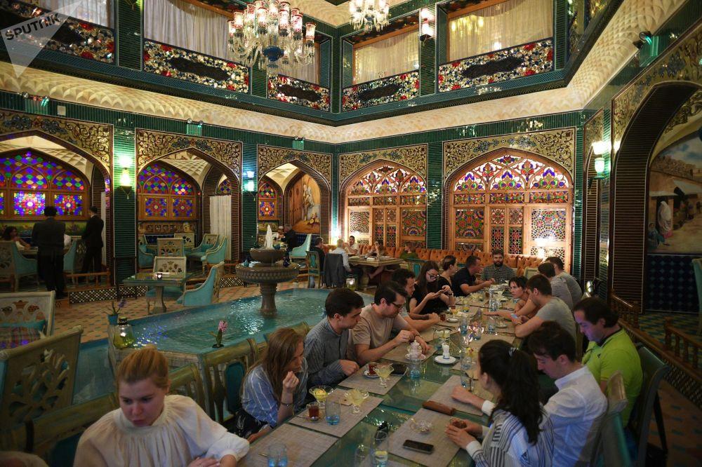 Restauracja w kompleksie targowym Souq Waqif w Doha