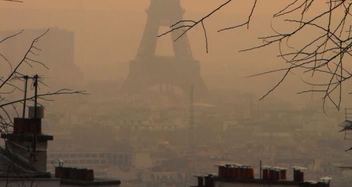 Smog w Paryżu