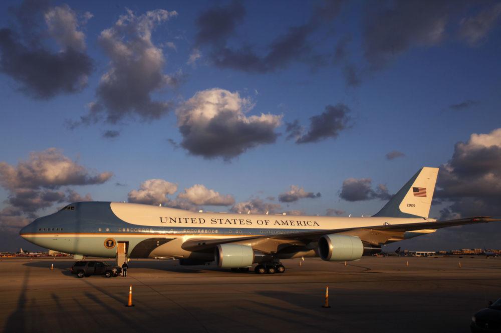 Samolot prezydenta USA na lotnisku w Miami