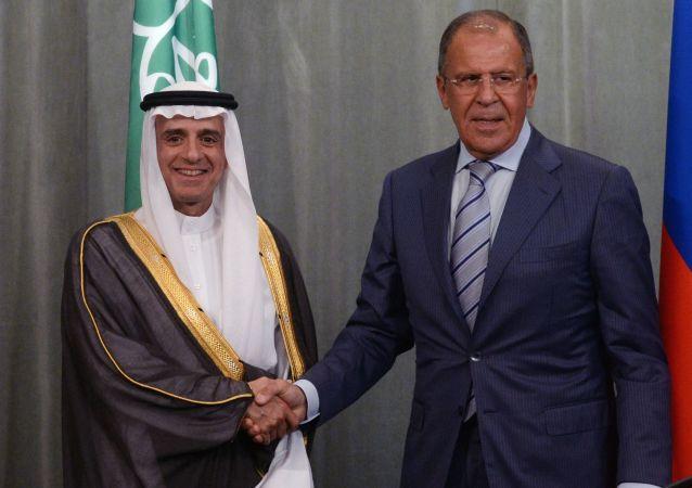 Minister spraw zagranicznych FR Siergiej Ławrow i minister spraw zagranicznych Arabii Saudyjskiej Adel bin Ahmed Al-Jubeir