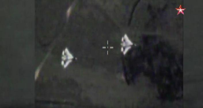 Kadr z wideo zwrotu bojowego myśliwców Su-57