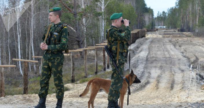 Funkcjonariusze Mozyrskiego Oddziału Granicznego na białorusko-ukraińskiej granicy