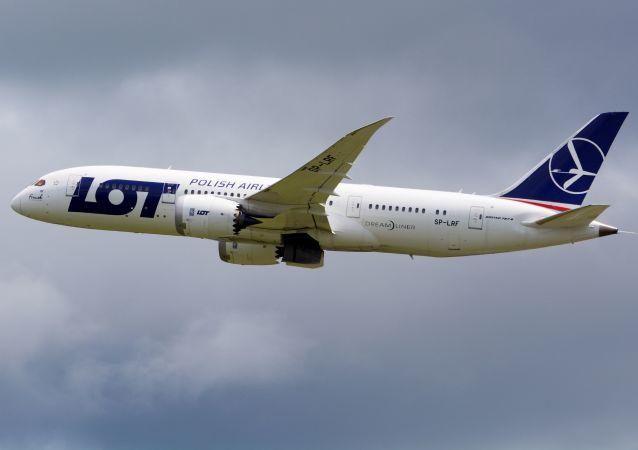 Samolot Boeing 787-8 polskich linii lotniczych LOT