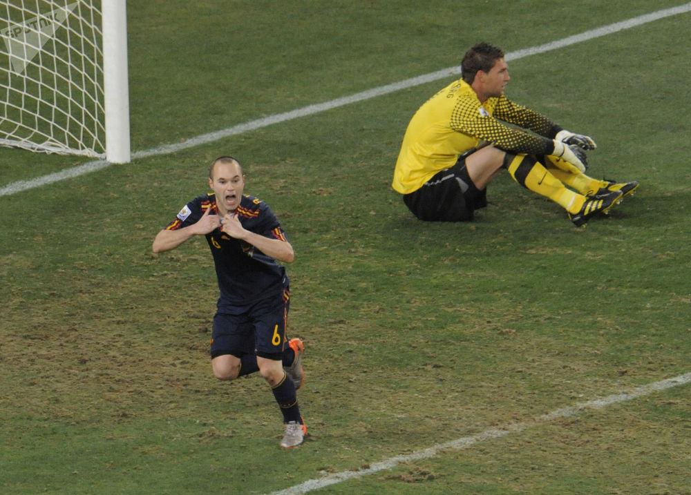 Finałowy mecz między drużynami Holandii i Hiszpanii, 2010 rok