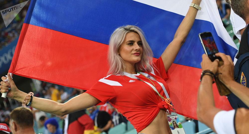 Rosyjska kibicka na meczu Niemcy - Szwecja