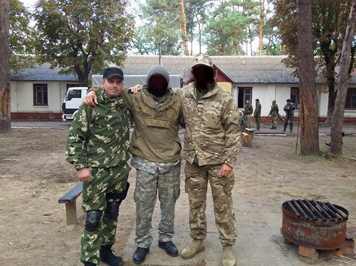 Szkolenie jednostki wojskowej 3066 (Batalion im. Kulczyckiego). Z lewej Siergiej Sanowski