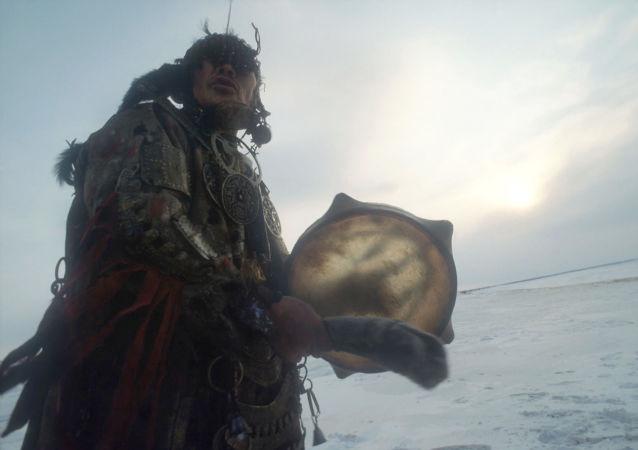 Jeden z ostatnich nganasańskich szamanów Delsjumiak Demnimieewicz Kosterkin