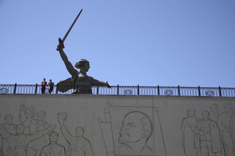 Statua Matka Ojczyzna Wzywa! w Wołgogradzie