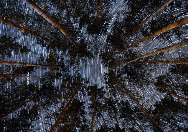 Gwiaździste niebo w Republice Ałtaju, fotografia artystyczna