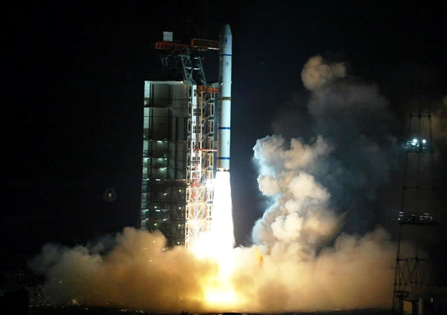 Start rakiety Long March 2C/SM w Chinach, zdjęcie archiwalne