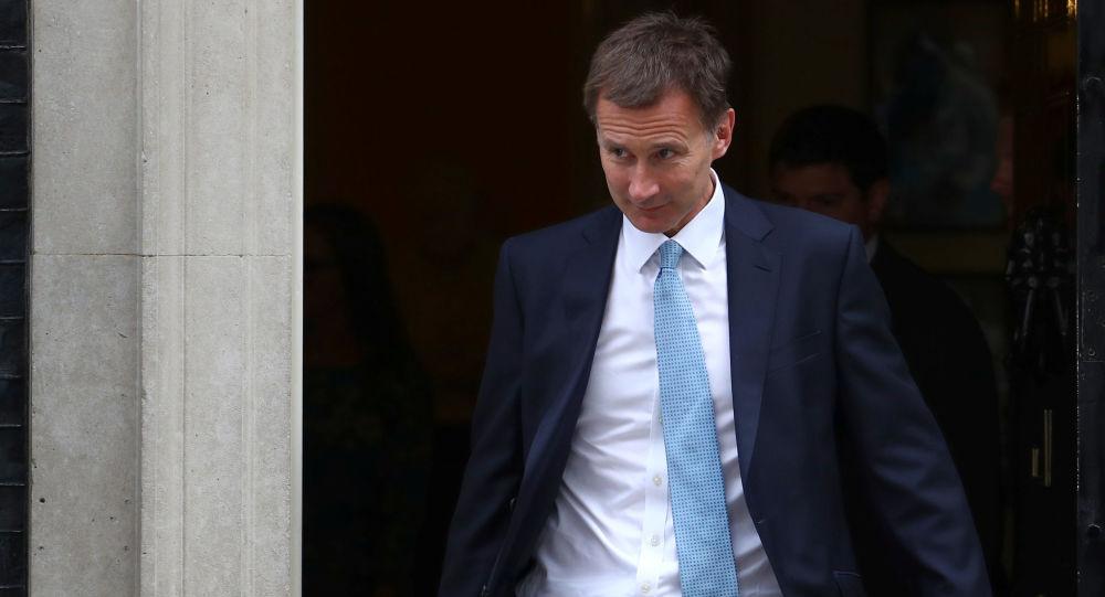 Minister spraw zagranicznych Wielkiej Brytanii Jeremy Hunt opuszcza Downing Street po posiedzeniu gabinetu ministrów w Londynie, Wielka Brytania