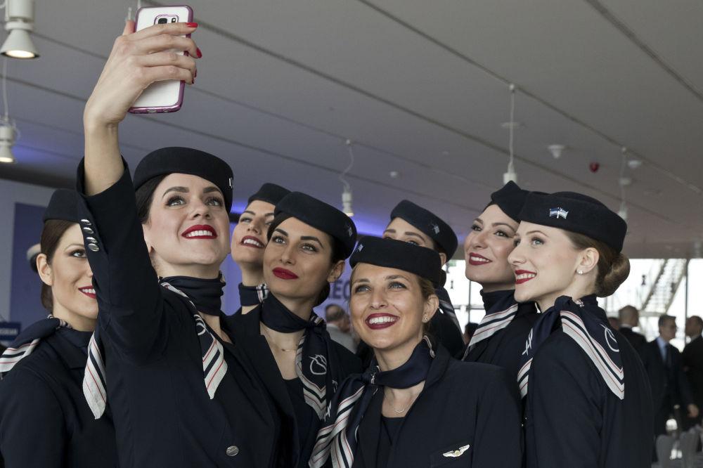 Stewardessy linii lotniczych Aegean Airlines