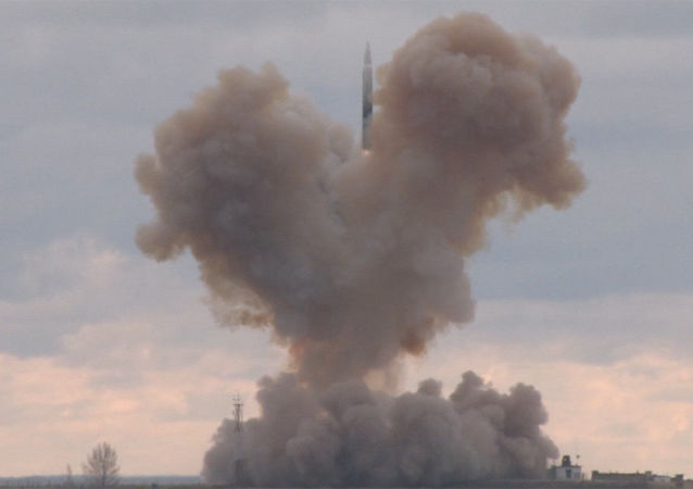 Test rosyjskiego strategicznego systemu rakietowego z hipersonicznym szybowcowym blokiem manewrującym