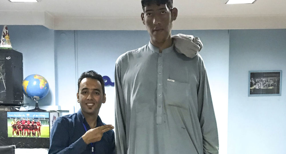 Najwyższy człowiek w Afganistanie, 25-letni Hazratollah Khaksar