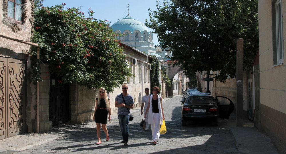 Urlopowicze na starym mieście Eupatorii, Krym