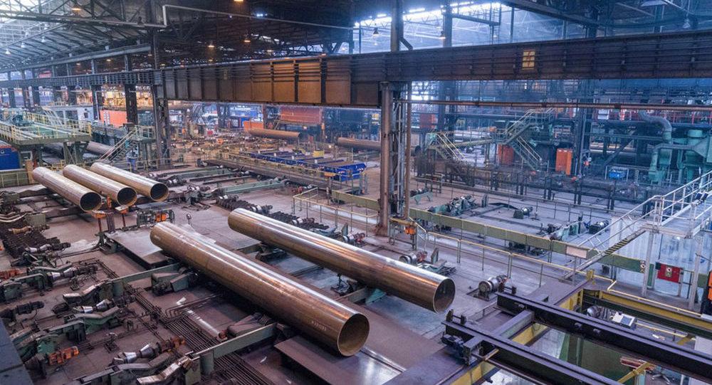 Produkcja rur w zakładzie Europipe w Mülheim