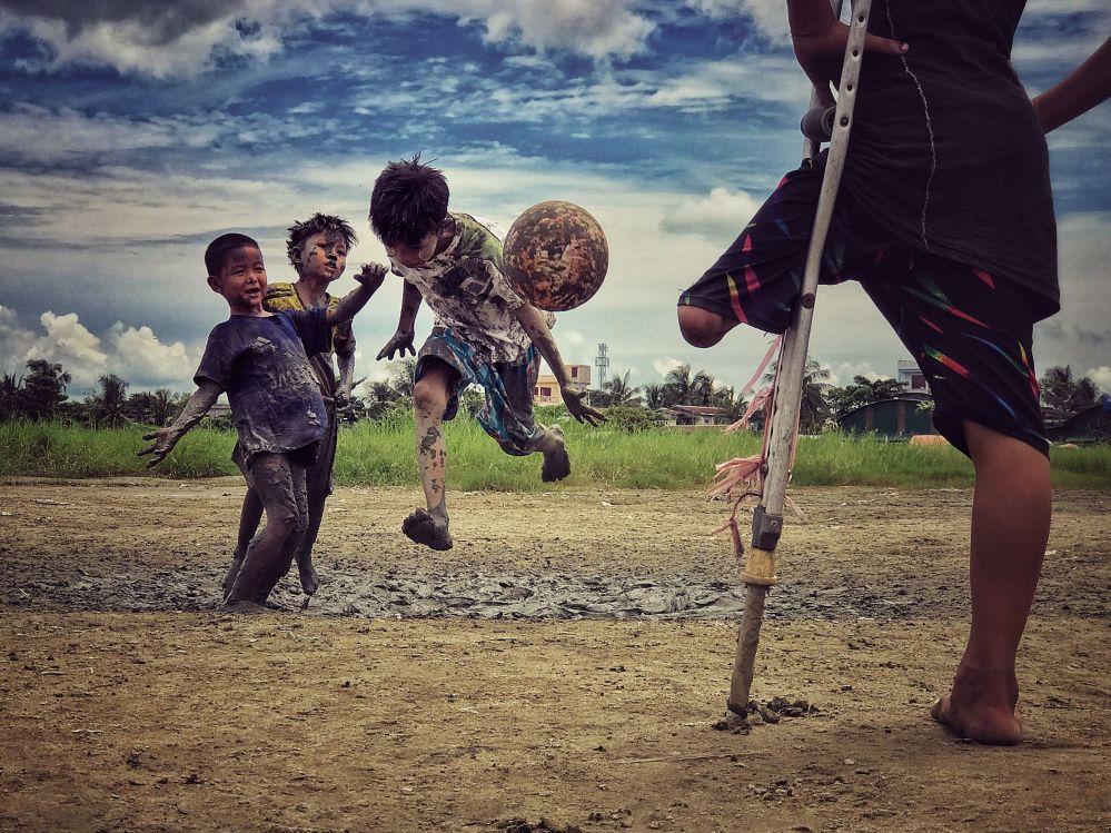 Fotograf Zarni Myo Win zajęła trzecie miejsce w nominacji fotograf roku w konkursie fotograficznym iPhone Photography Awards 2018